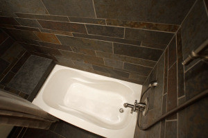 Savanna Slate installed as a bathtub surround